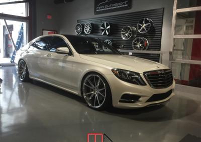 Mercedes-Benz S-Class S550