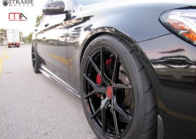 MERCEDEZ C63 S AMG STRASSE SM5R WHEELS